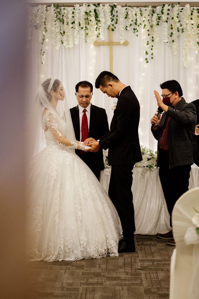 Selvia & Adi Wedding by AKSA Creative - 025