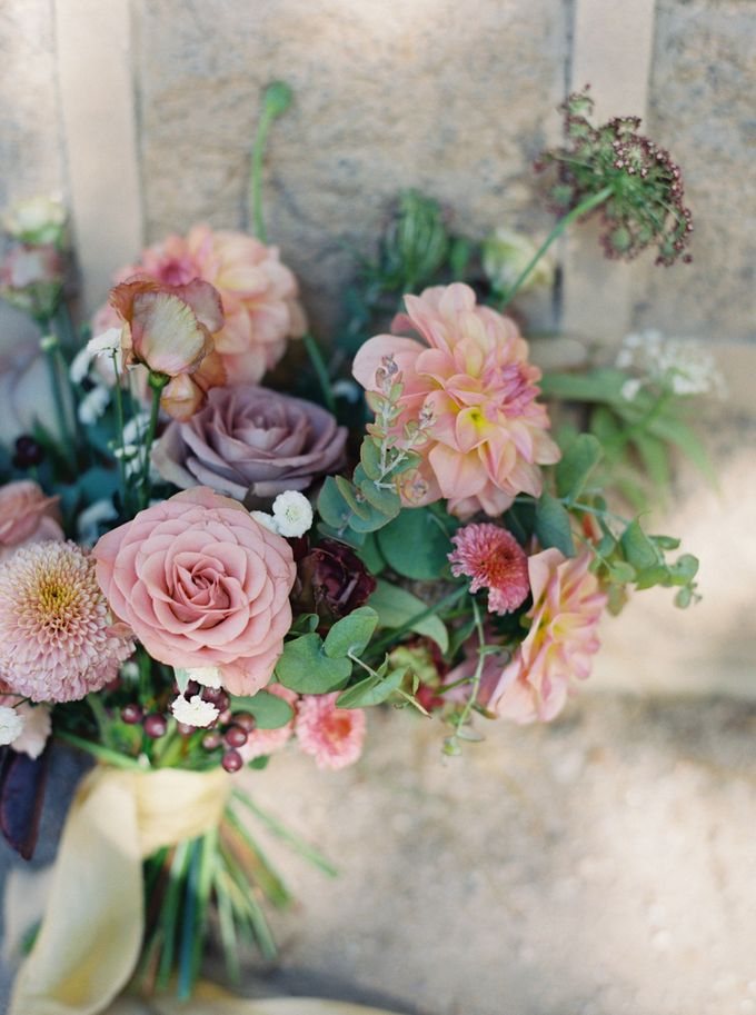 Fall Wedding Inspiration at Deoksugung by Honour and Blessing Events - 004