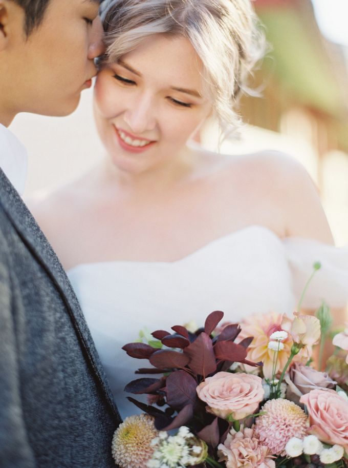 Fall Wedding Inspiration at Deoksugung by Honour and Blessing Events - 015