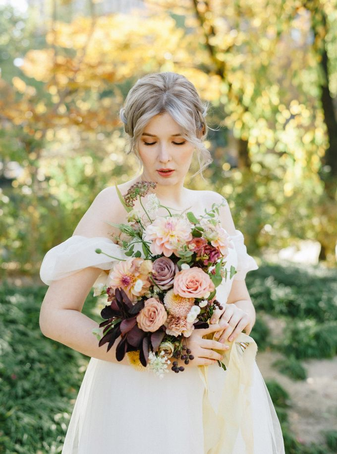 Fall Wedding Inspiration at Deoksugung by Honour and Blessing Events - 023
