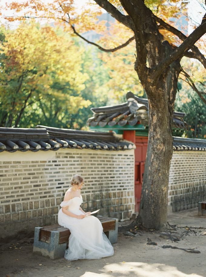 Fall Wedding Inspiration at Deoksugung by Honour and Blessing Events - 024