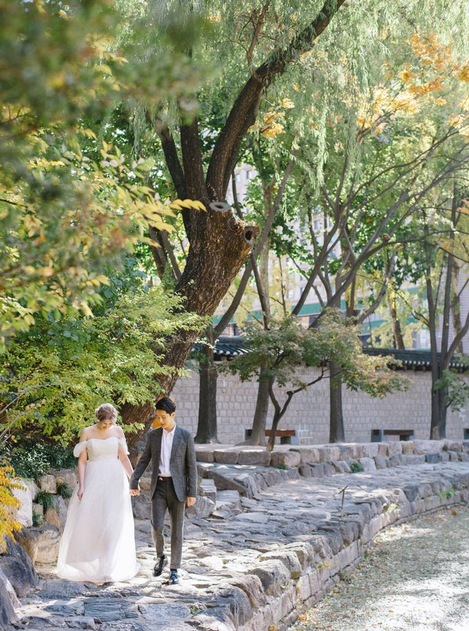 Fall Wedding Inspiration at Deoksugung by Honour and Blessing Events - 033