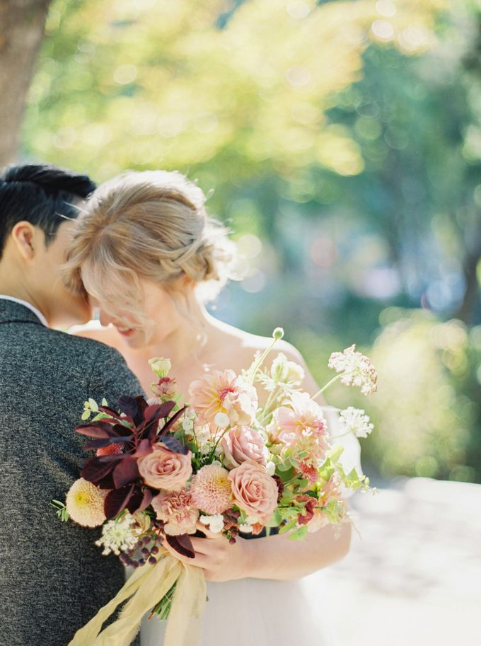 Fall Wedding Inspiration at Deoksugung by Honour and Blessing Events - 036