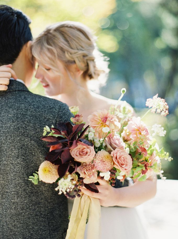 Fall Wedding Inspiration at Deoksugung by Honour and Blessing Events - 038