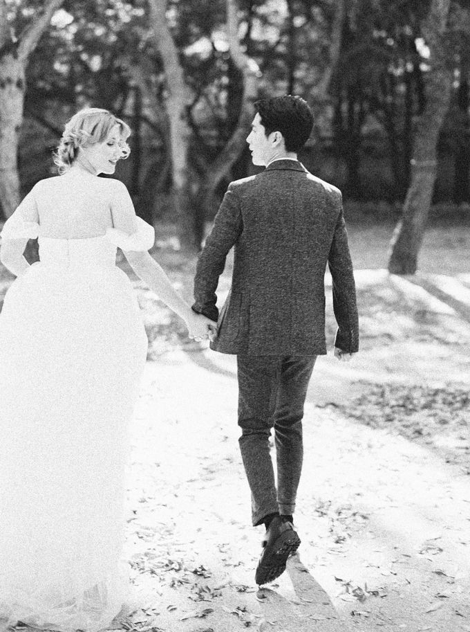 Fall Wedding Inspiration at Deoksugung by Honour and Blessing Events - 045