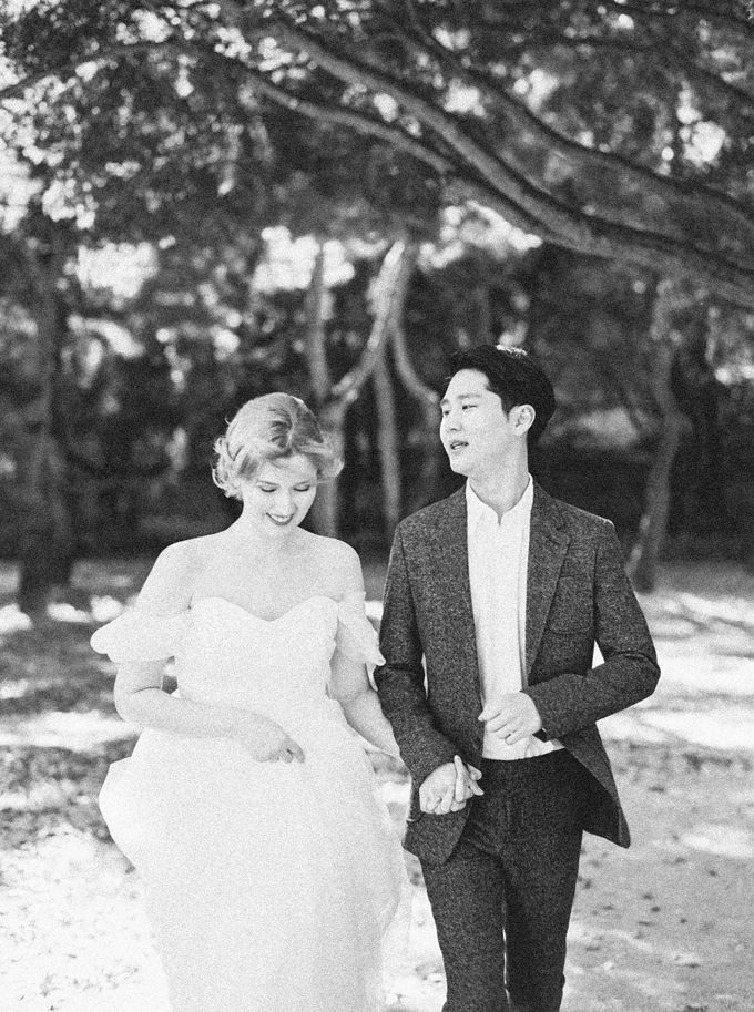 Fall Wedding Inspiration at Deoksugung by Honour and Blessing Events - 046