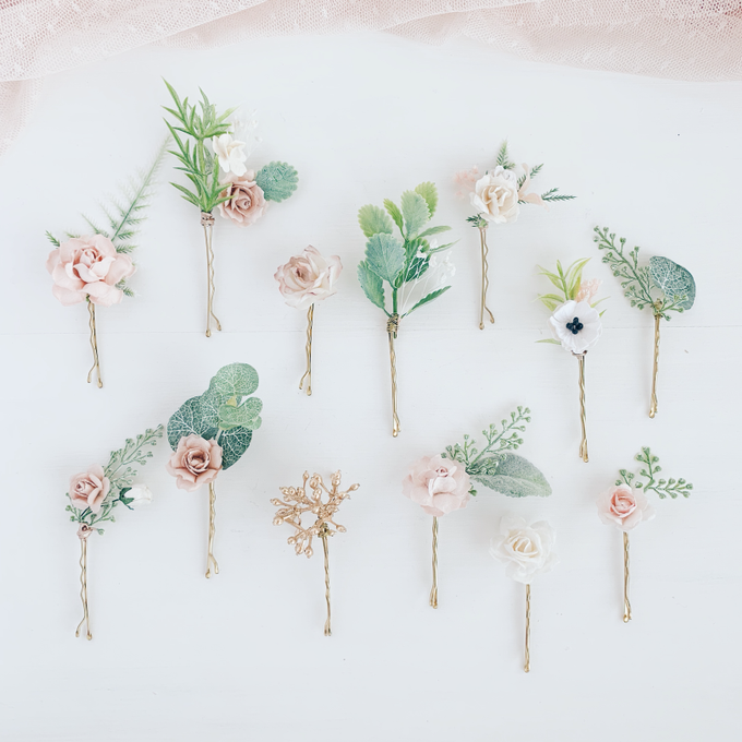 Blush hair pins with peonies, roses, eucalyptus  by Serenity Wedding - 003