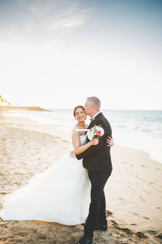 Romantic destination wedding on the beach by Tamara Maz - 008