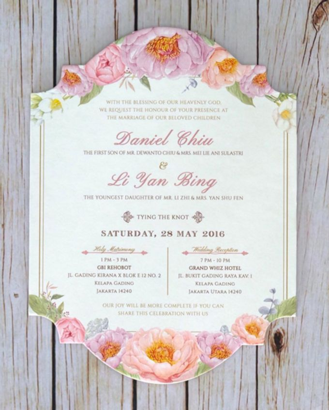 Floral wedding invitation by signature design bridestory add to board floral wedding invitation by signature design 011 stopboris Gallery