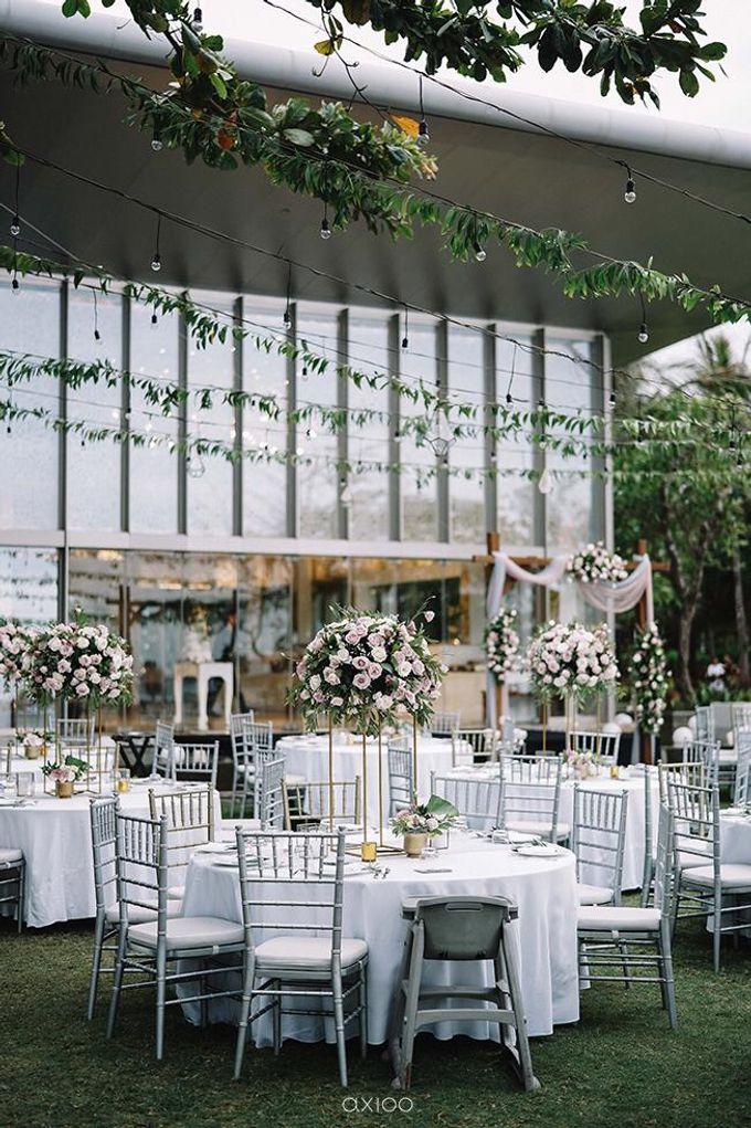 Beachfront Wedding at Sofitel Bali by WiB flowers - 007