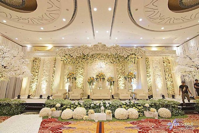 Skenoo Hall - Various Wedding Stage Decoration at Skenoo Hall Emporium Pluit by IKK Wedding Venue - 005
