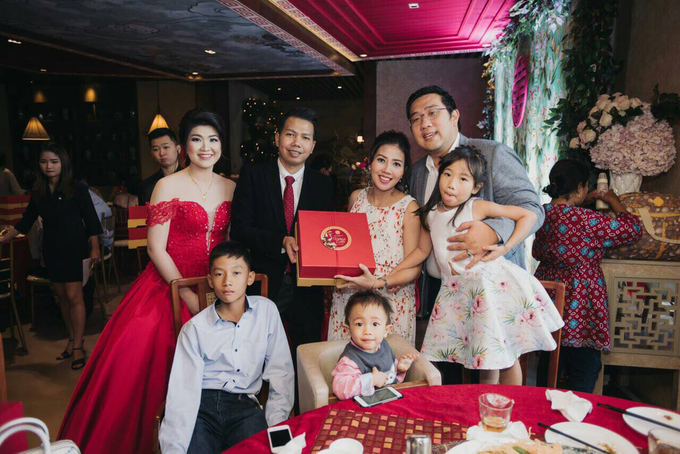 Vicky & Evelin Engagement by SH Printing and Hampers - 004