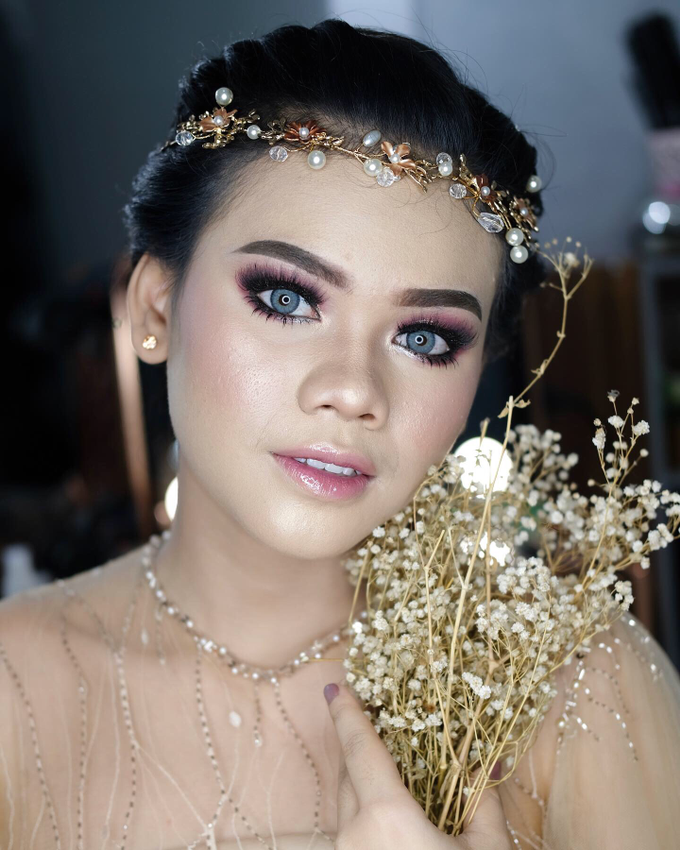 Bold Makeup Wedding by Shally Makeup - 005