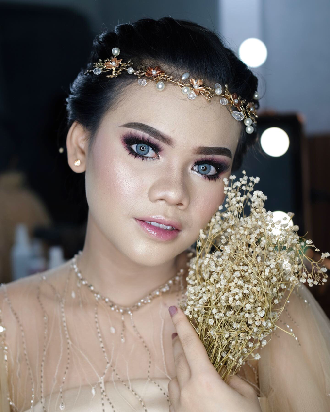 Bold Makeup Wedding by Shally Makeup - 006