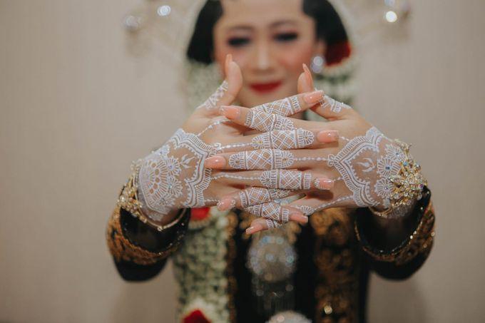 White henna for traditional javanese wedding by Nirvana Henna by Shinta - 001
