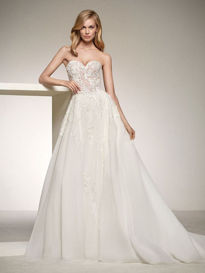 Pronovias by DESIGNER BRIDAL ROOM - 027