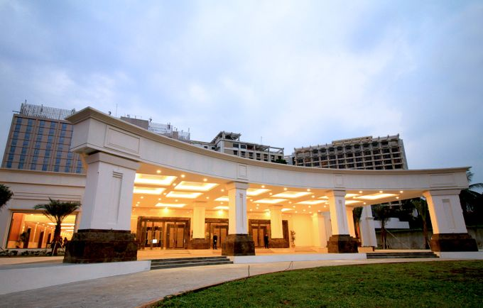 Wedding Package at New Golden Ballroom The Sultan Hotel Complex by The Sultan Hotel & Residence Jakarta - 001