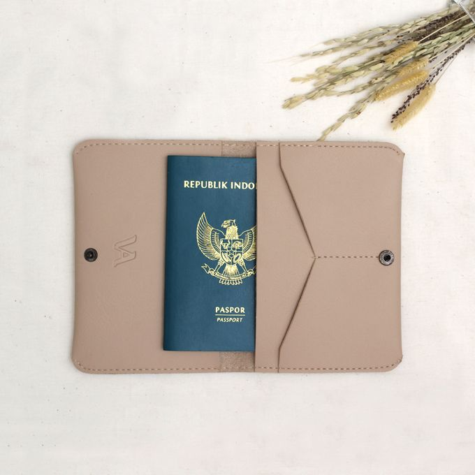 PASSPORT CASE by Signore Gift - 007