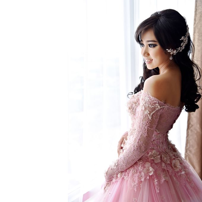 Sindra Engagement Dress by Yenny Lee Bridal Couture - 002