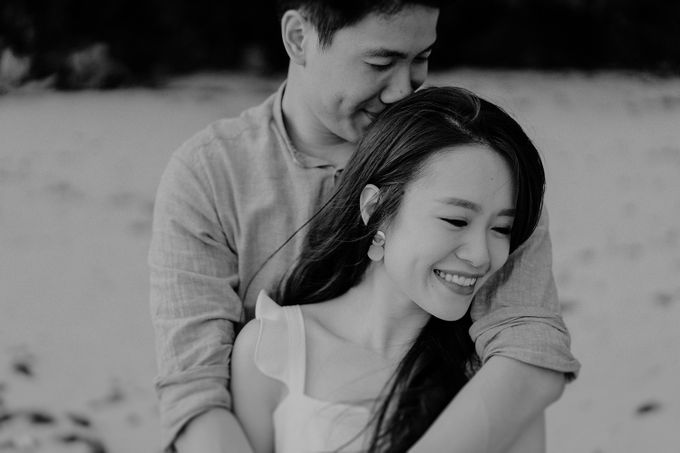 Engagement - Derek & Eilis by Smittenpixels Photography - 016