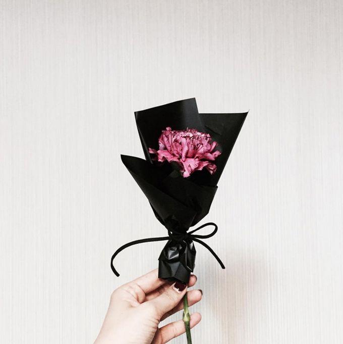 Single Flower by La Belle Vie flower - 007