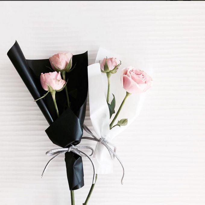 Single Flower by La Belle Vie flower - 001