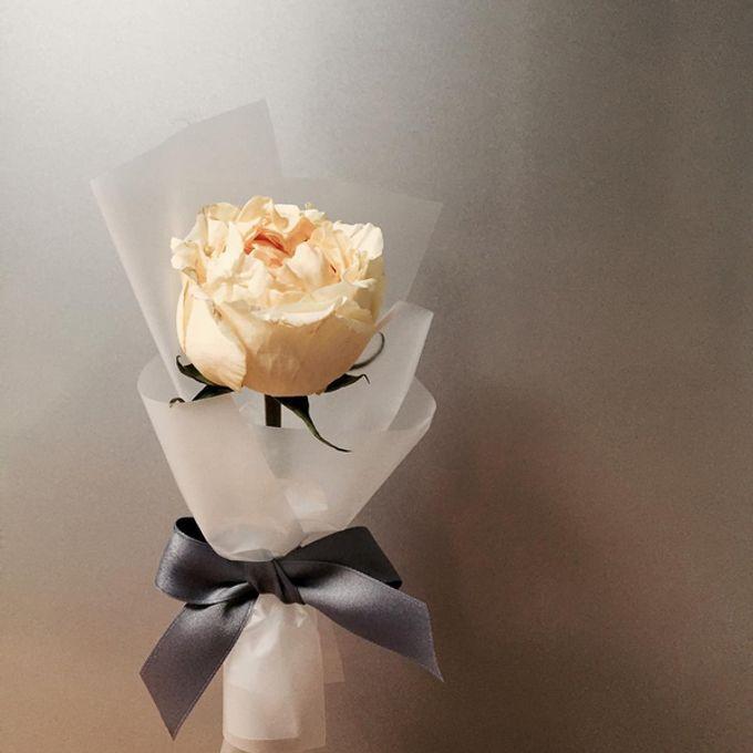 Single Flower by La Belle Vie flower - 003