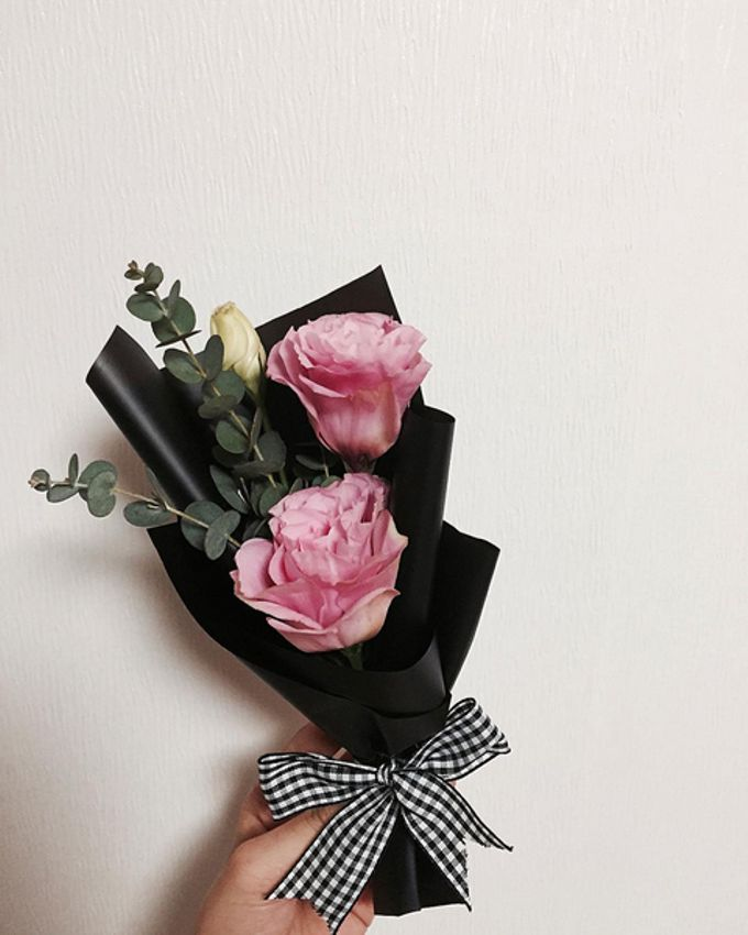 Single Flower by La Belle Vie flower - 002