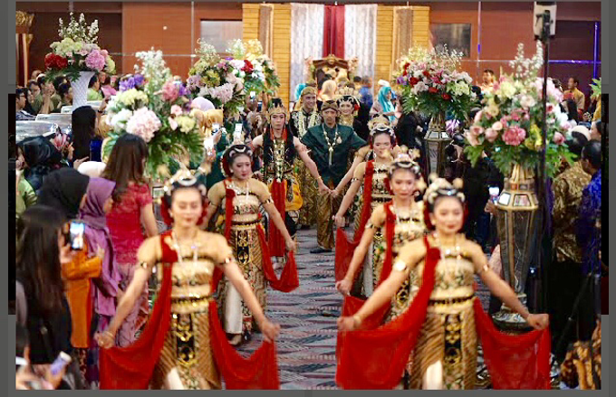 a series of cultural customs Javanese carnival by Sisi Wedding Consultant & Stylist - 001