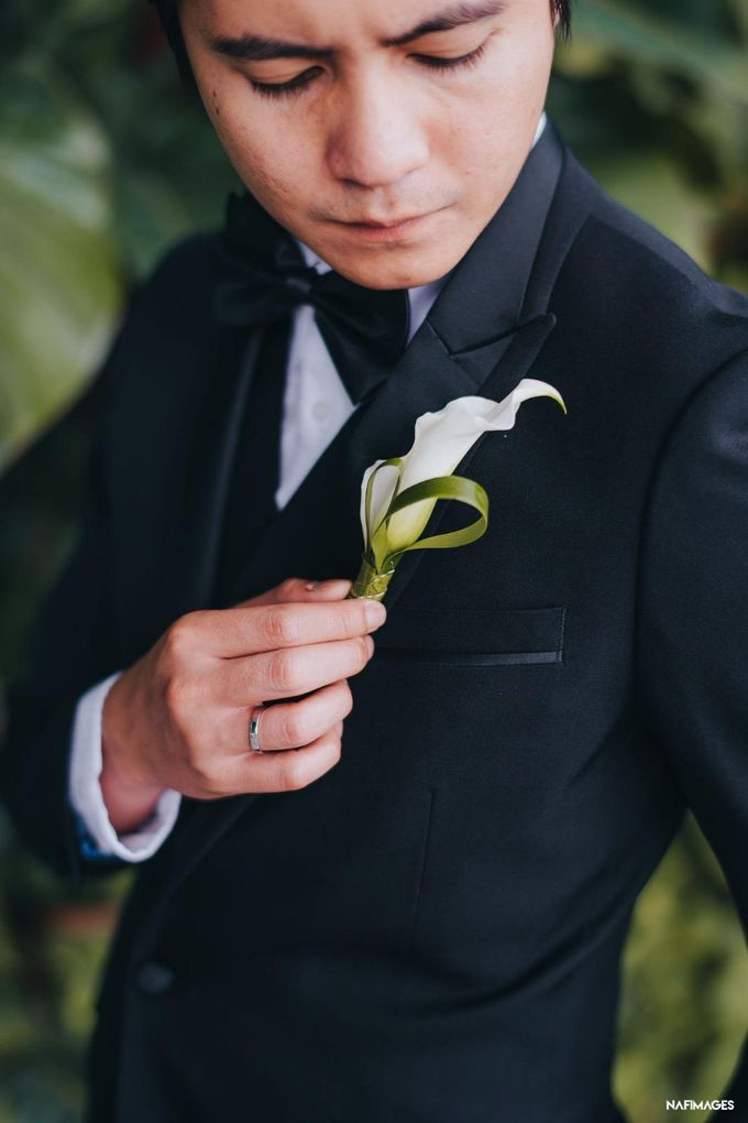 Boutonnieres by The Bloomish Eden - 013