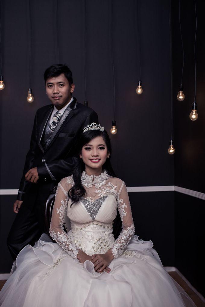 Prewedding of Yuli & Deppy by Salmo - 007