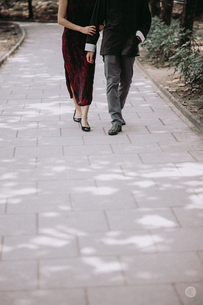 Sharon & Ming - 1930s Shanghai Engagement Portraits in Hong Kong by Chester Kher Creations - 011