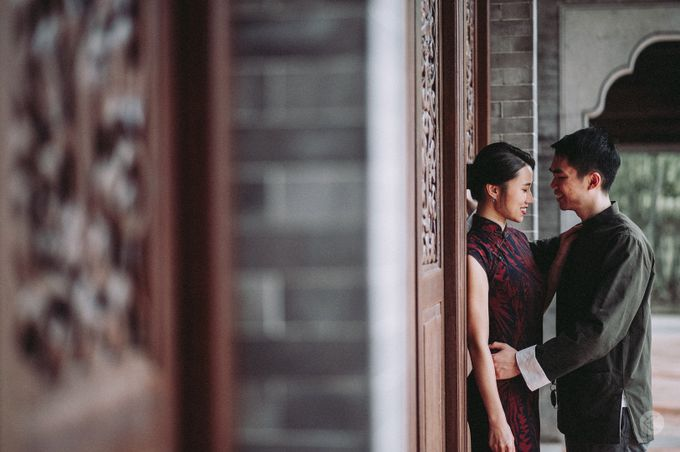 Sharon & Ming - 1930s Shanghai Engagement Portraits in Hong Kong by Chester Kher Creations - 016
