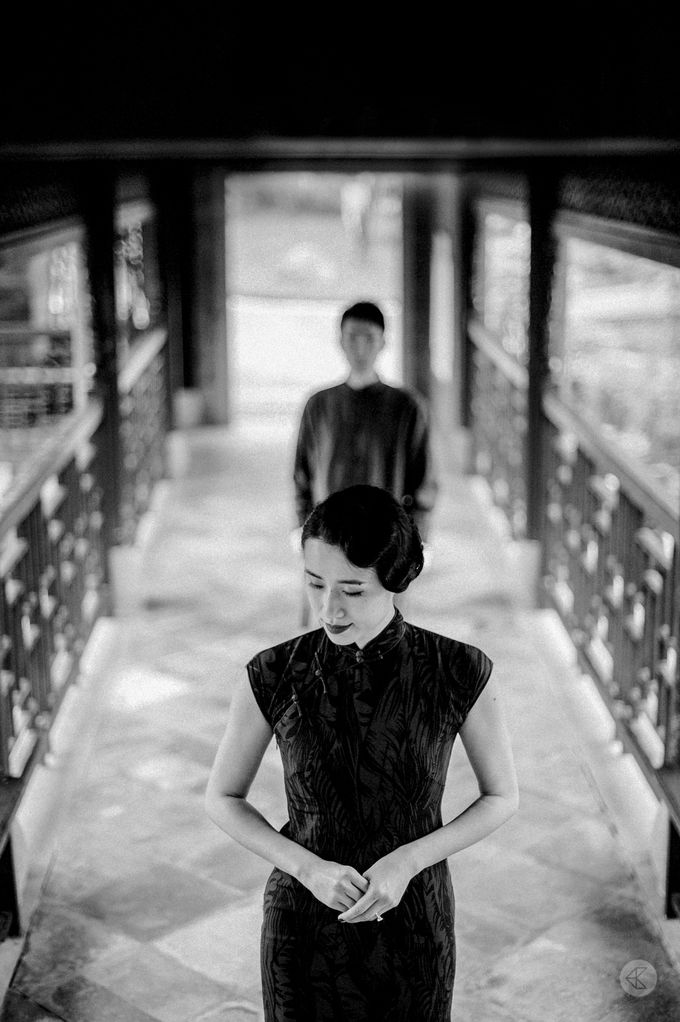 Sharon & Ming - 1930s Shanghai Engagement Portraits in Hong Kong by Chester Kher Creations - 028