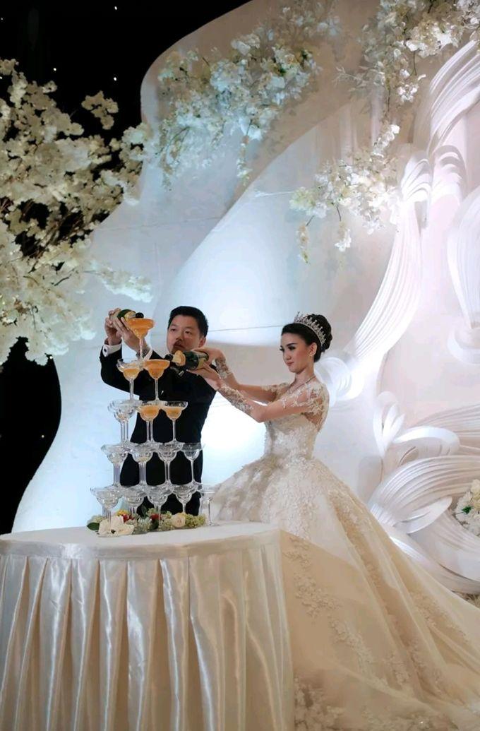 The Wedding of Lincoln & Yonie by Yumi Katsura Signature - 003