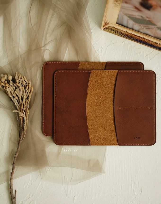 Vincent And Bella Passport Case by Yuo And Leather - 003
