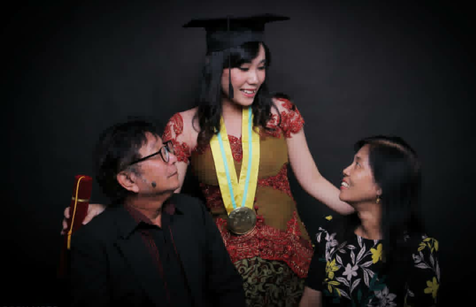 Photoshoot Graduation Ms.Fenecia by Nathalia Tjan Makeup - 004