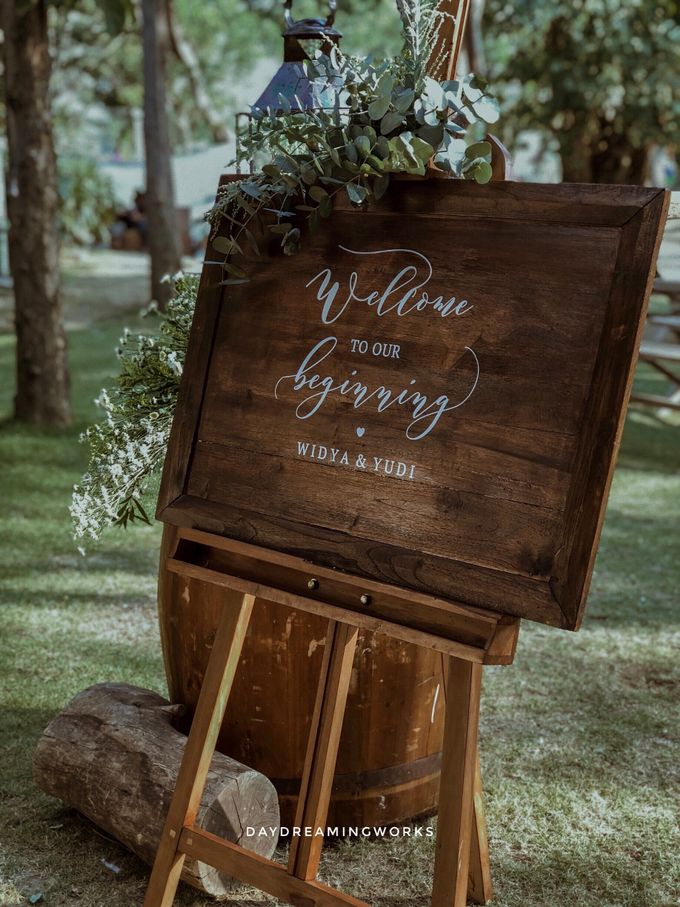 The Wedding of Widya & Yudi by Daydreaming Works - 003