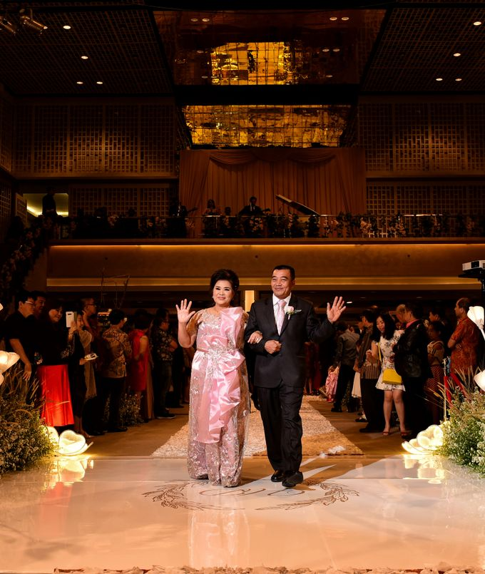 Mom Dress Wedding Of Mr Hartanto & Mrs Deasy by Cleome Usher - 002