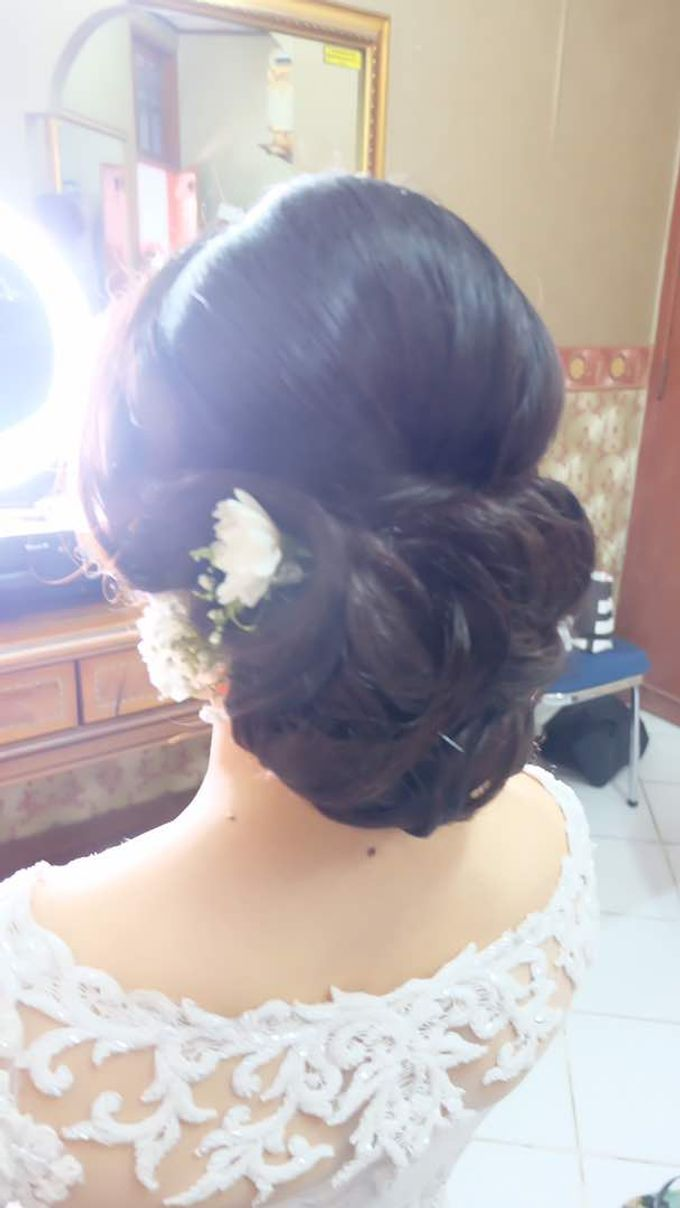 Hairdo Bride by Makeup And Hairdo By iis - 003
