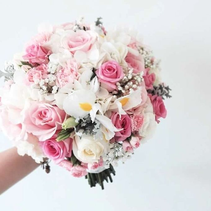 Round Bouquet Collection by Il Fiore - 020