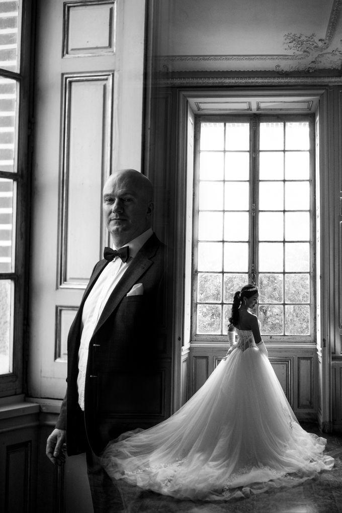 Exclusive Paris Pre Wedding Photo Shoot at Chateau de Fontainebleau by Février Photography   Paris Photographer - 010