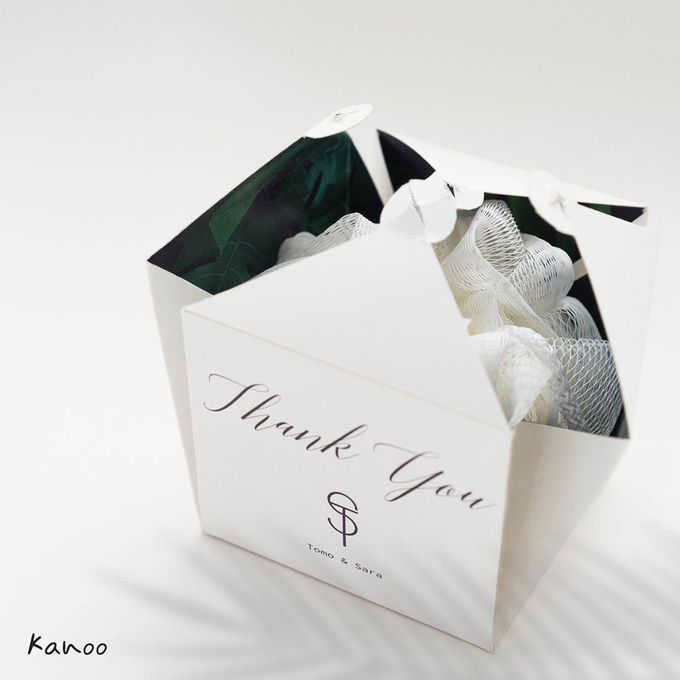 Wedding Souvenir - Shower Puff Greenery with with Box by Kanoo Paper & Gift - 003