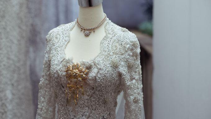 Satrio & Putri Wedding by SVARNA by IKAT Indonesia Didiet Maulana - 001