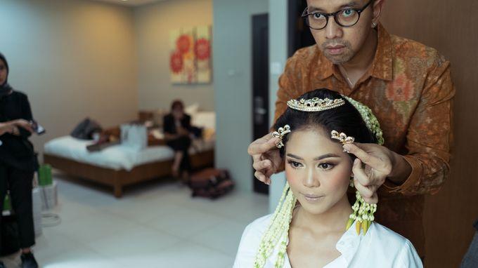 Satrio & Putri Wedding by SVARNA by IKAT Indonesia Didiet Maulana - 002