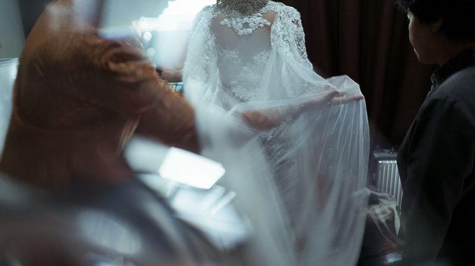 Satrio & Putri Wedding by SVARNA by IKAT Indonesia Didiet Maulana - 009