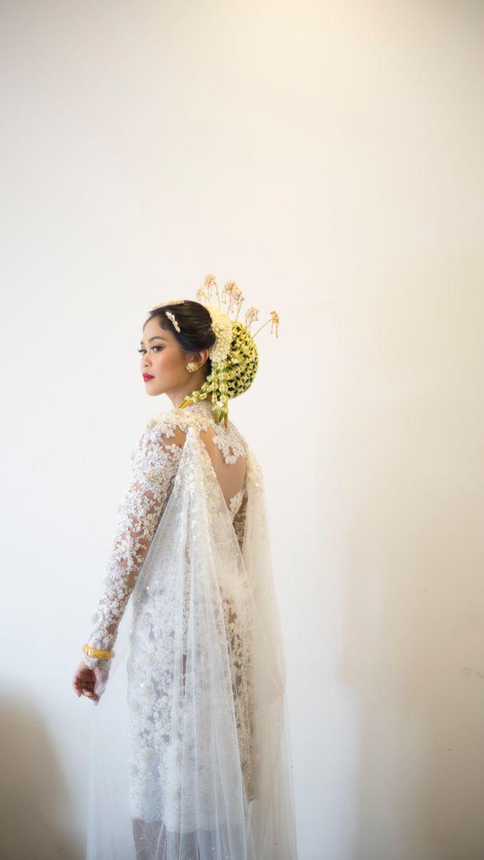 Satrio & Putri Wedding by SVARNA by IKAT Indonesia Didiet Maulana - 012