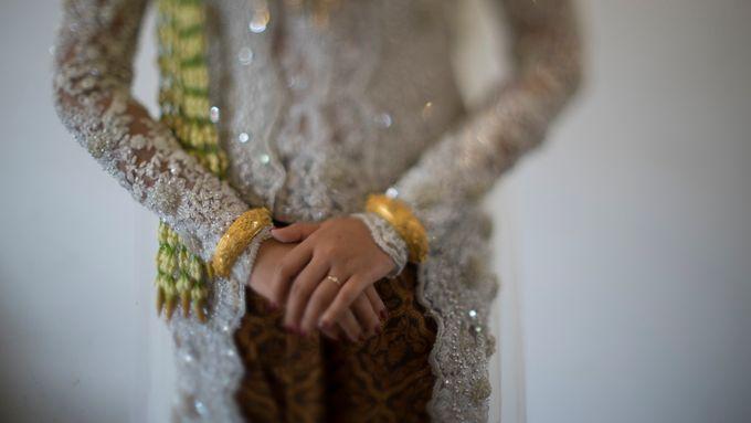 Satrio & Putri Wedding by SVARNA by IKAT Indonesia Didiet Maulana - 013