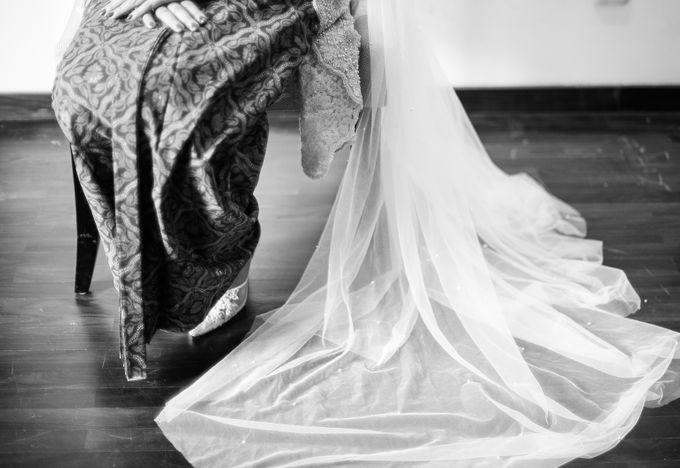 Satrio & Putri Wedding by SVARNA by IKAT Indonesia Didiet Maulana - 004