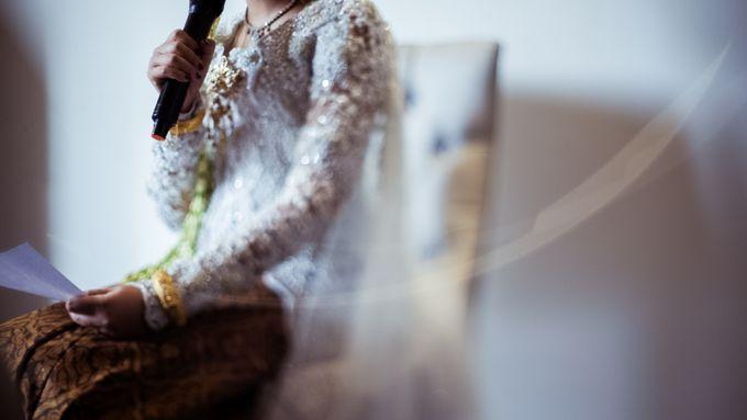 Satrio & Putri Wedding by SVARNA by IKAT Indonesia Didiet Maulana - 005